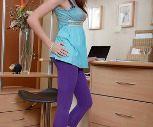 Tall chick pulls down her leggings before oozing cum from..