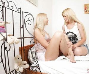 Pretty youthfull lezzies Hailey & Samanta toying with a..