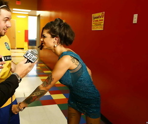 Bonnie Rotten is partaking in a good gang-bang groupsex..