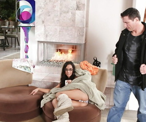 Tia Cyrus gets fucked and receives a creamy cum shot into..