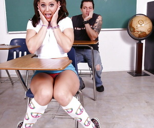 Youthfull teenage Gracie Glam in socks and ponytails gets..