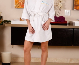 Solo model Karlee Grey eliminates bathrobe and lingerie to..