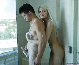 Youthfull blonde chick Ashlee Mae sporting creampie after..