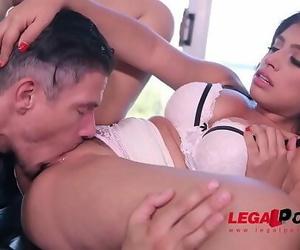 Sensual seductress Ella Knox pounded in bullwhip to make..
