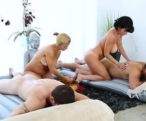 Foursome MassageVeronica Avluv, Alexis Fawx