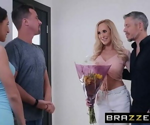 (Abella Danger, Brandi Love) have fun on a..