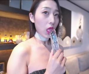 风吟鸟唱气质模特刘X然跪着给摄影师吃屌108..