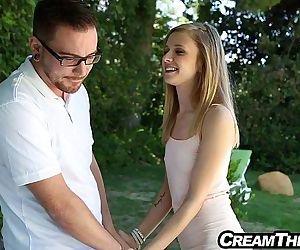 Girlfriend tricks her boyfriend and gets him to creampie her