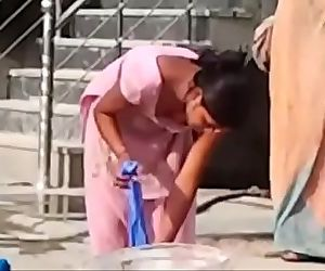 Indian desi hor randi village schoolgirl washing..