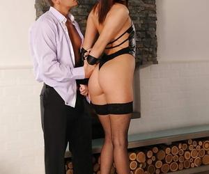 European hotty Lyen Parker gets her extraordinaire nut..