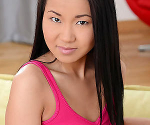 Brunette asian Sayuri enjoys..