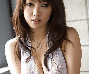 Lusty asian babe Mai Nadasaka..