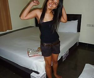Petite Thai female Toy spreading..