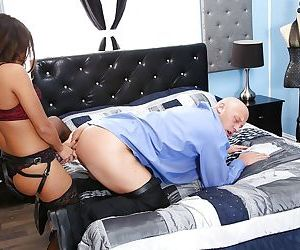 Asian milf Mena Li fucks her..