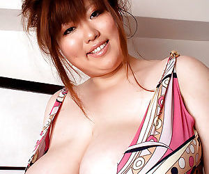 Asian babe with fat tits Riria..
