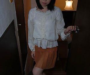 Brunette asian babe Hiroki..