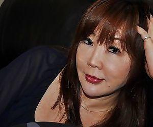 Sassy asian MILF Junko Ishikura..