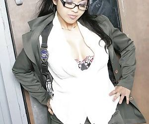 Asian babe Mika Tan pose in..