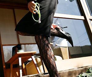 Stunning asian coed Miho Sonoda..