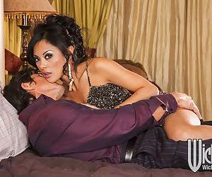 Ravishing asian MILF Kaylani Lei..