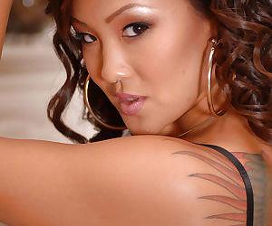 Petite Asian amateur Jandi..