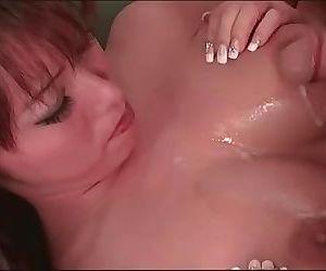 Bouncing my tits