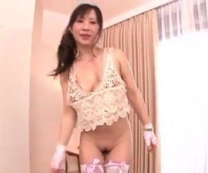Yuwa Tokona hot milf fucked in..