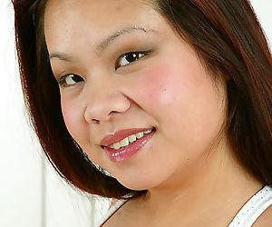 Sensational amateur Asian Gia..
