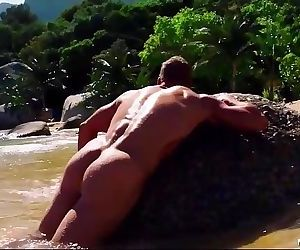 Alan Ritchson Nude Movie Scenes