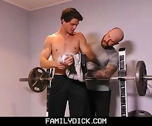 FamilyDick-Older tattooed muscle daddy coaches virgin..