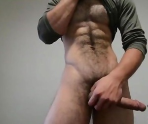 Super sexy, hairy and HUNG!