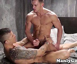 Muscular gay assfucking for tattooed hunkHD