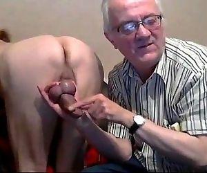 Velhos russos brincando na webcam