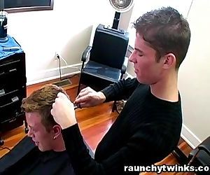 Horny Gay Blows His Cute Hairdresser At The Salon