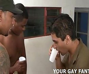 Its too late to back out of your first gay threesomeHD