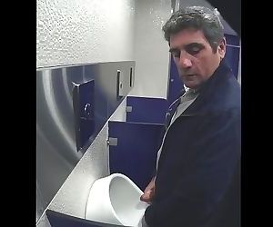 cruising in toilet