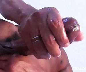 big black dick n muscular playing with himself