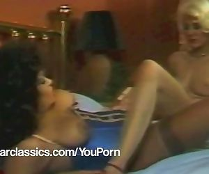 Lesbian Vintage porn stars SEKA and Vanessa