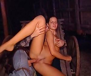 Patty Page hot outdoor sex: scene from Carovana della Violenza