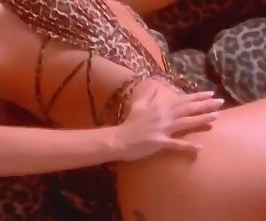 Luscios Nikki Tyler