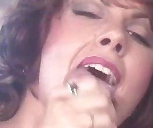 Janey Robbins- Anal Scene 1o1