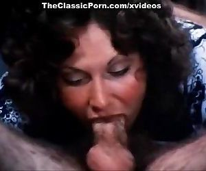 Linda Lovelace, Harry Reems, Dolly Sharp in classic porn clip