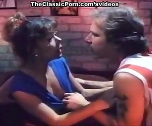 Karen Summer, Dan T Mann in vintage classic porn blowjob clip