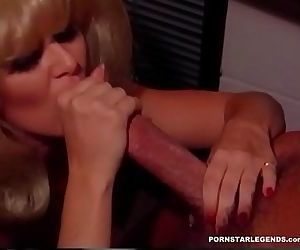 Peter North fucking a hot blonde girl