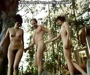 Annette Haven, Lisa De Leeuw, Paul Thomas in classic xxx scene