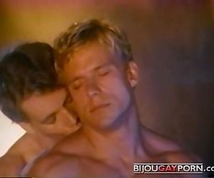Johnny Dawes fucks Eric StrykerVintage Gay PornKNOCKOUT