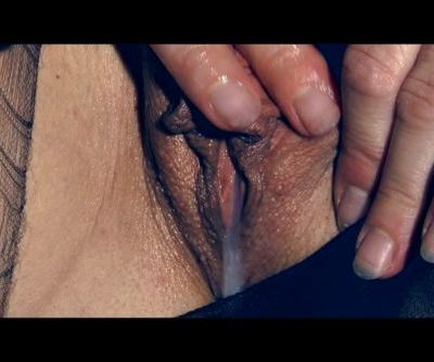 TORN IN LUST VERY WET FINGERS AND DRIBBLE CUM XXX Marielle