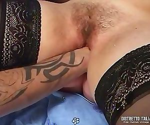 Pussy fisting orgasm for a chubby girl 20 min 720p