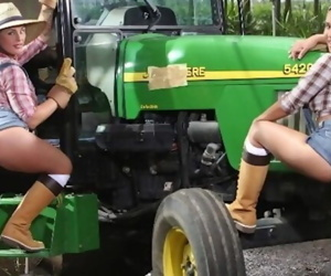BANGBROS - Big Booty Farmin Throwback Featuring Isabel Ice & Jordan Ashley