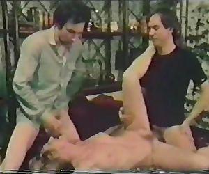 Danish Peepshow Loops 337 70s and 80s - Scene 1